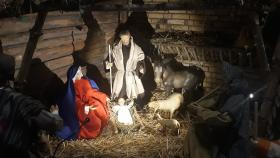 9_IWW_Die_Weihnachtskrippe_in_der_Kirche_1400
